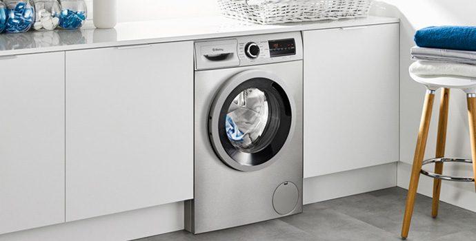 ¿Se puede parar la lavadora en funcionamiento?
