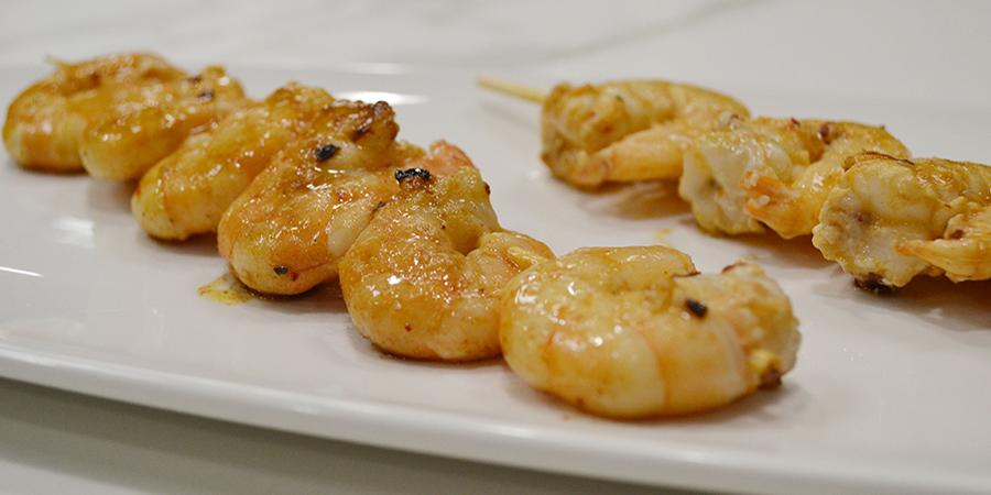 Cocina con Balay unos camarones a la veracruzana