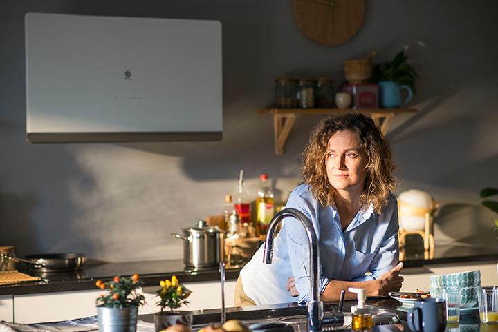 Purificar el aire de la cocina con ayuda de la campana